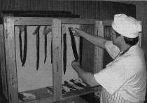 DIE PETRIJÜNGER LUDEN EIN: Beim Leiberstunger Fischerfest hatten die Köche jede Menge zu tun, um die zahlreichen Gäste zu bedienen