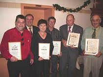 EHRUNGEN BEIM ANGELSPORT- VEREIN LEIBERSTUNG erhielten Siegfried Wolf (links), Friedrich Strack, André LeRoux, Walter Seiter und Monika Eberle von Alfons Lorenz (von rechts).