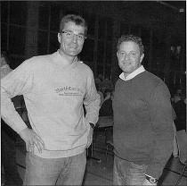 TIPPS VOM TOP-MANN: Knut Kircher (links), im Gespräch mit BSO Bernhard Zerr, referierte in Leiberstung vor den Schiedsrichtern des Bezirks Baden-Baden.