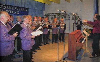 Ein Geburtstagsständchen überbringen Chöre den Leiberstunger Sängerkameraden zum 135. Geburtstag.